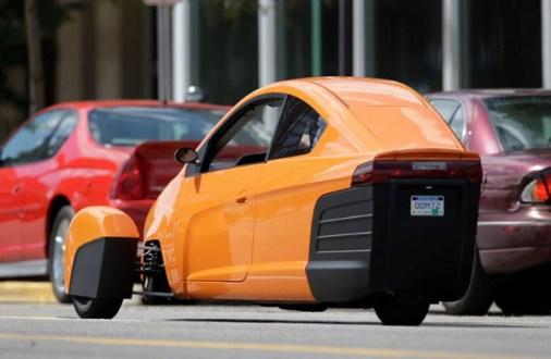 Three-wheeled Elio nearly ready for sale