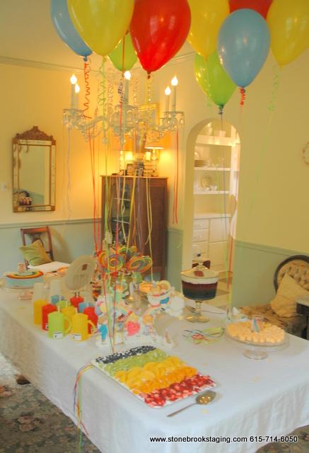 DSC 0571 Rainbow Birthday Party (Joan Walsh Anglund)