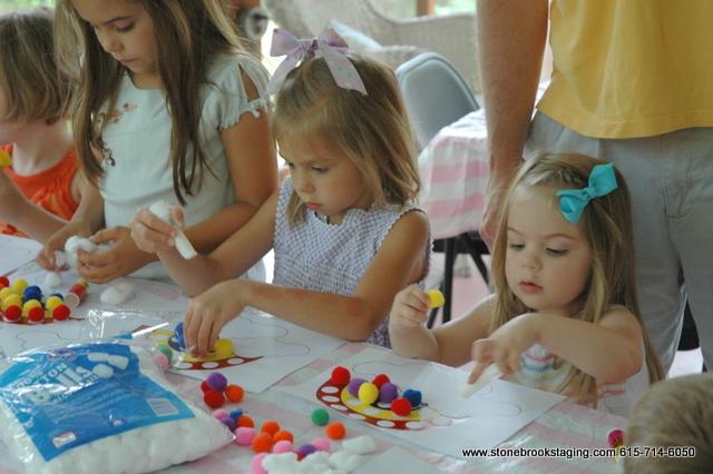 DSC 0594 Rainbow Birthday Party (Joan Walsh Anglund)