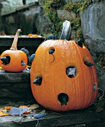 Mouse Motel Pumpkin via Martha Easy Peasy Ways to Decorate a Pumpkin