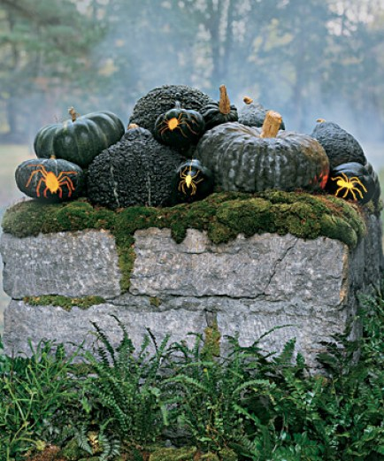Spider Squash Pumpkins via martha Easy Peasy Ways to Decorate a Pumpkin