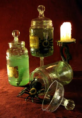 specimen jar via daveloweblogspot Halloween Specimen Jars