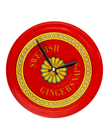 diy clock with cookie tin via country living From Trash to Treasure