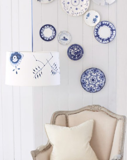 plates blue via mysweetsavannah.blogspot Plate Collages (The Art of Creative Plate Hanging)