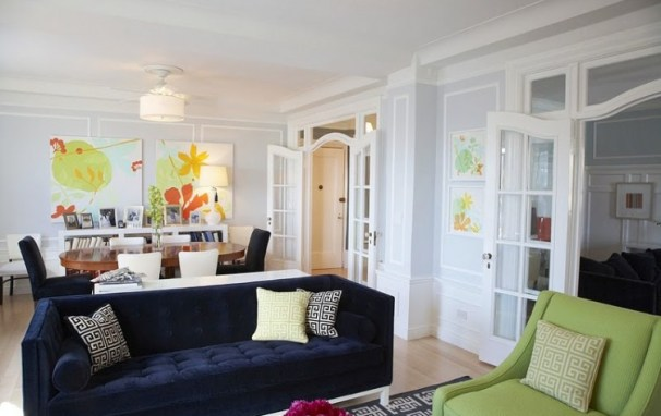 dwellers without decorators living room 4 jonathan adler lampert sofa blue velvet via cococozy Blue Velvet, Baby!