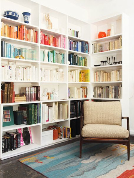 books by color via apartment therapy Can Your Kindle Do THIS???