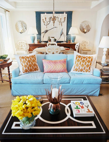 lonny blue sofa lviing room via creamy life How NOT to be a Slave to Decor Trends