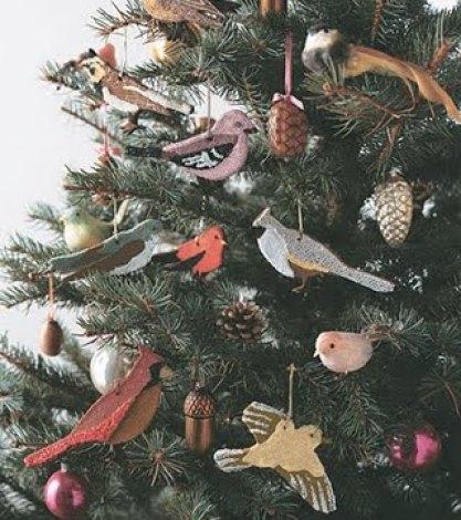bird themed christmas tree via audreysdesignblog blogspot Oh Christmas Theme, Oh Christmas Theme . . .