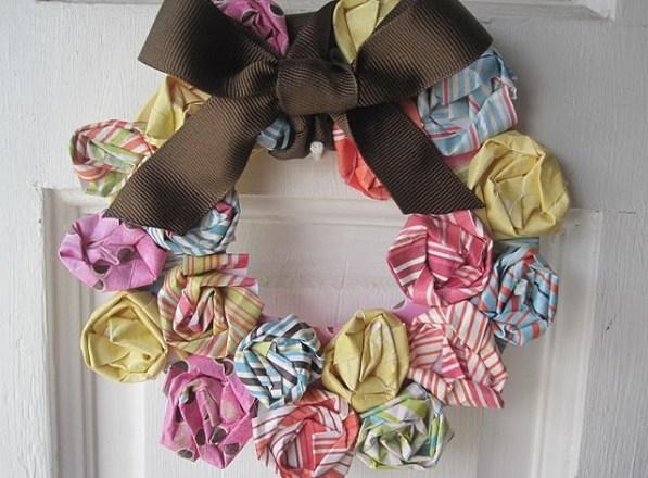 mini paper wreath via miscellaneousme wordpress Paper Wreaths & Other Crafty Christmas Desires