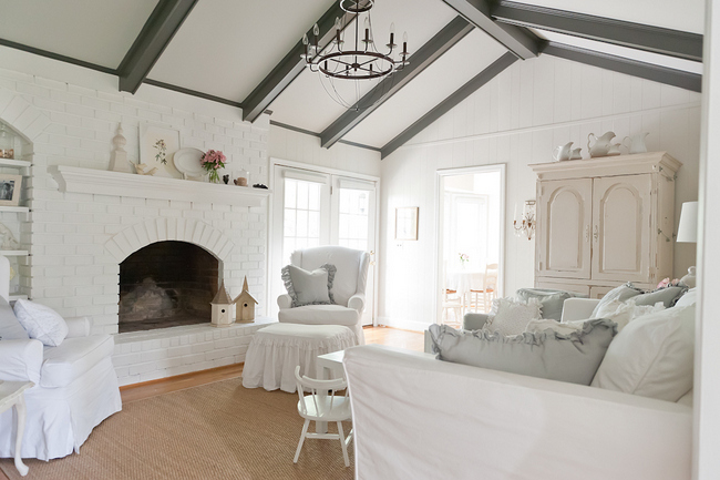 DSC 8304 3 Creating Heaven on Earth: The Right Paint Colors for Belgian Chic