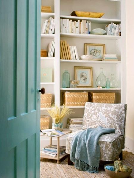 fe16ddcc2933b071eecac2df6b53fb7e 450x600 How to Style a Gorgeous Bookcase