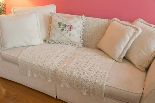 7O3A4512 600x400 Staging a Dated Sofa   Styling Tricks from The Decorologist