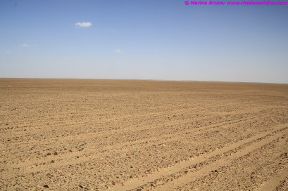 Gravel plain to the north of the Umm As Sameem