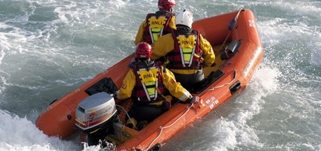 RNLI Flood Rescue Team in training credit RNLI Simon Culliford MS.jpg