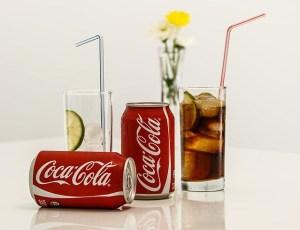 รูปภาพของหวาน, โซดามีคาเฟอีน : ขาดการนอนหลับนำไปสู่การดื่มน้ำตาลหวานเครื่องดื่มผสมคาเฟอีน