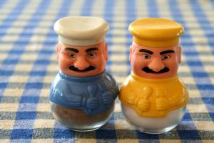 628844_turkish_salt_and_pepper_shakers