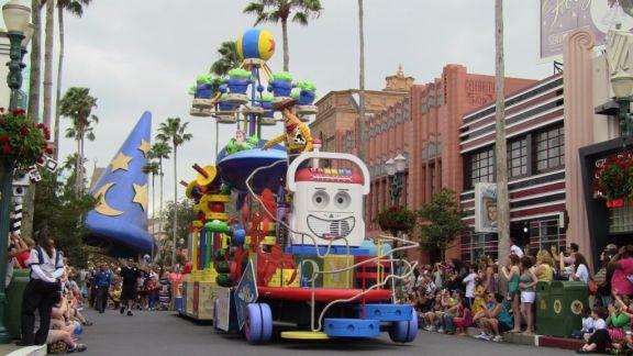 Pixar's Countdown to Fun Parade - Hollywood studios - Throwback Thursday