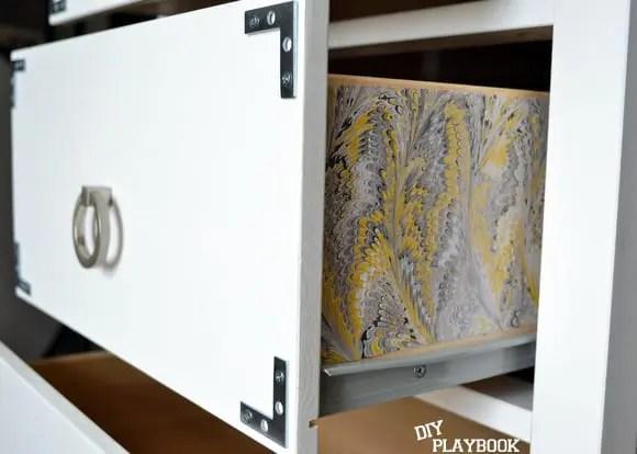 Pattern on side of drawer