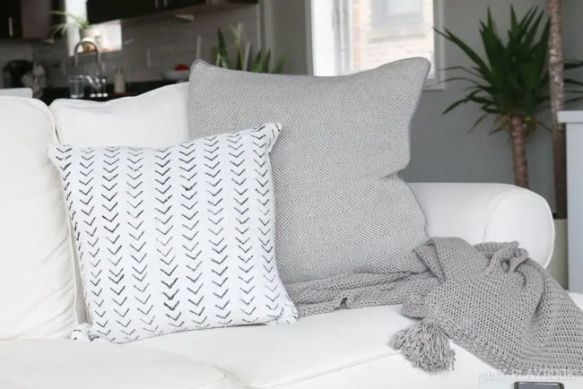 pillow-danielle-oakey-couch