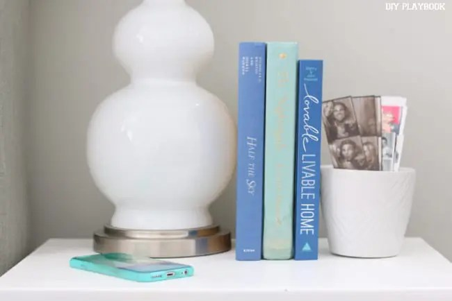 11-nightstand-books-photo-booth-pictures