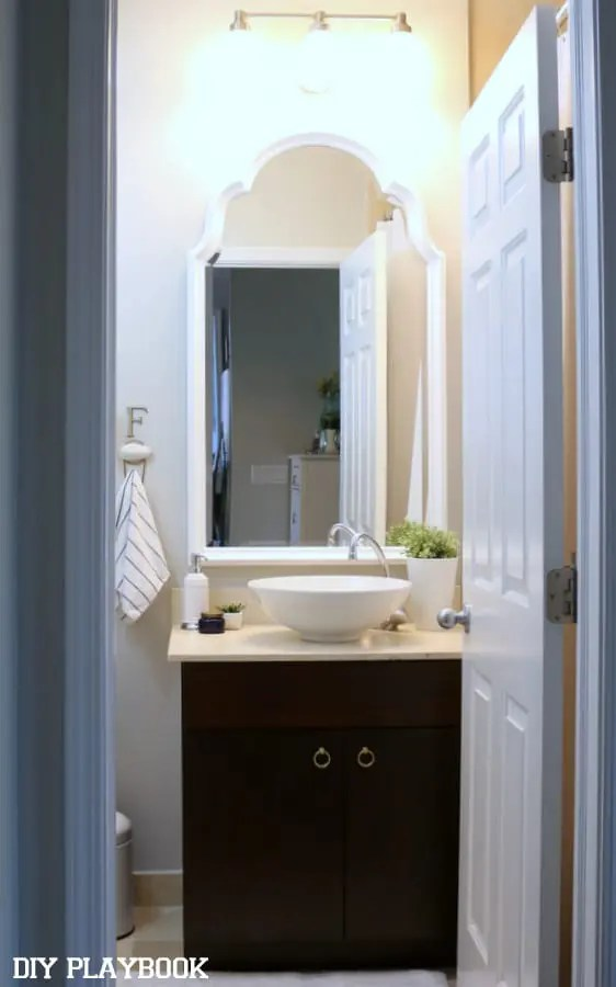 09-guest-bathroom-wide-shot-augusta-after