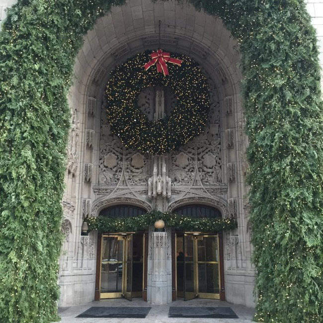 tribune tower chicago christmas holiday