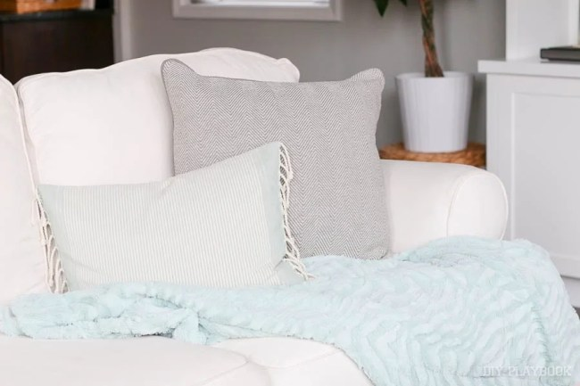 pillows-blanket-couch