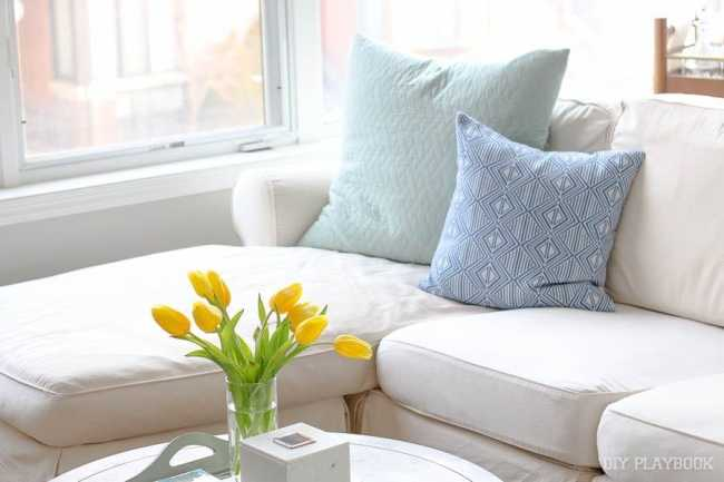 pillows-couch-tulips-flowers