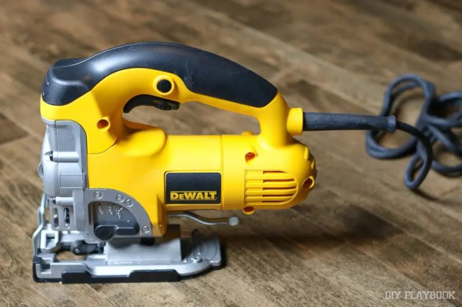 jigsaw-dewalt-cutting