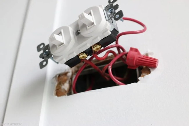 changing_electrical_light_switch-11