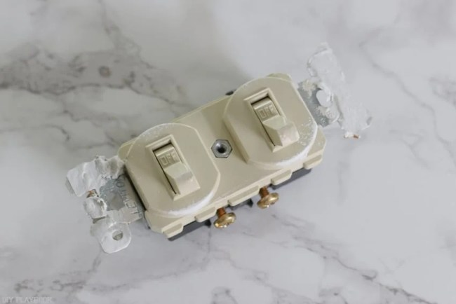 changing_electrical_light_switch-15