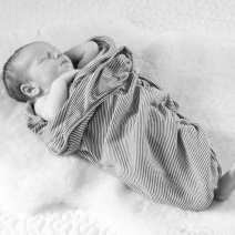 newborn_photography_tips_baby_owen-12