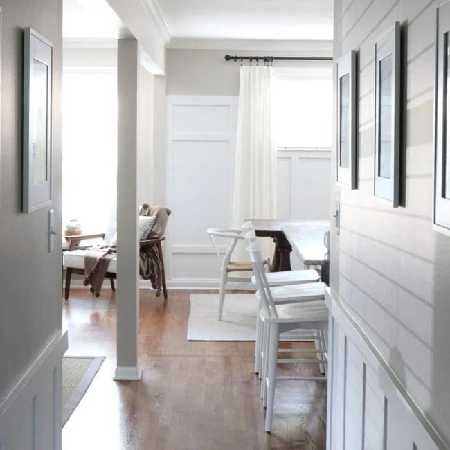 white_counterstools_kitchen