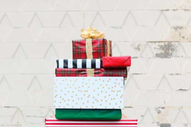 2016-DIY-Playbook-Christmas-Card-wrapped-gifts-stacked