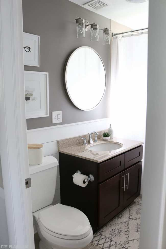 bathroom-round-mirror