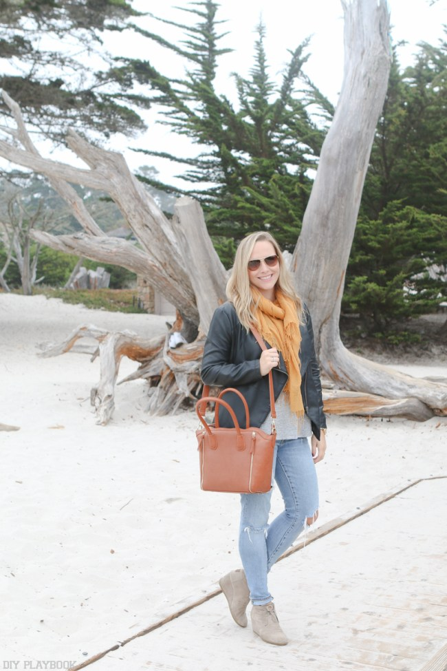 travel-beach-casey-toms-jeans-fall-fashion-scarf