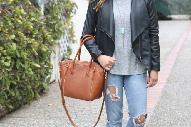 travel-essentials-fall-fashion-outfit