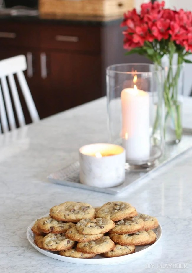 cookies-marble-table-candles