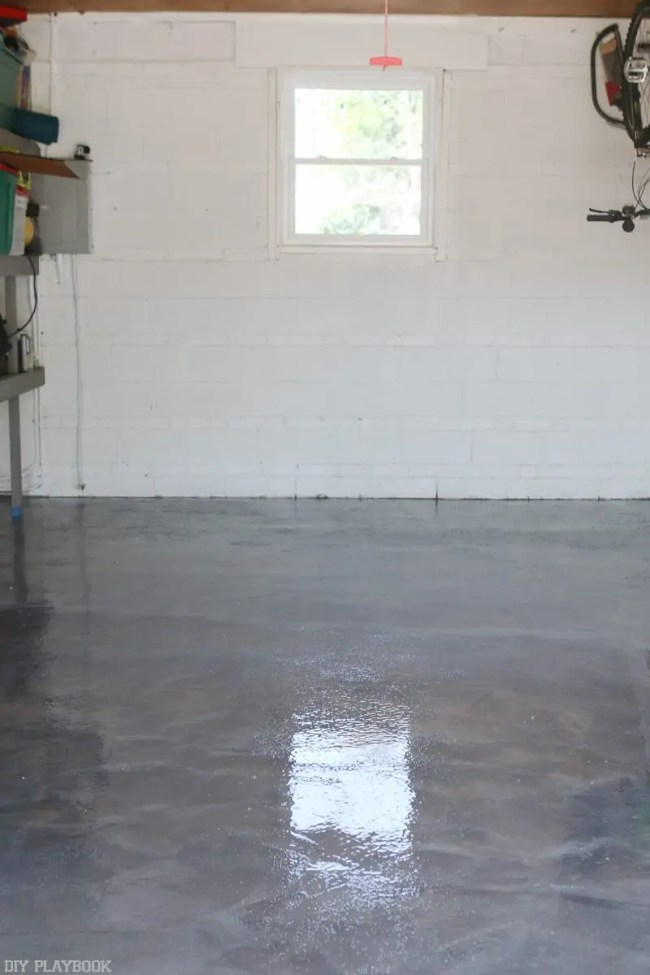 diy-garage-epoxy-rustoleum-after-vertical