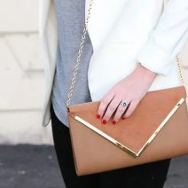 casual_necklace_purse
