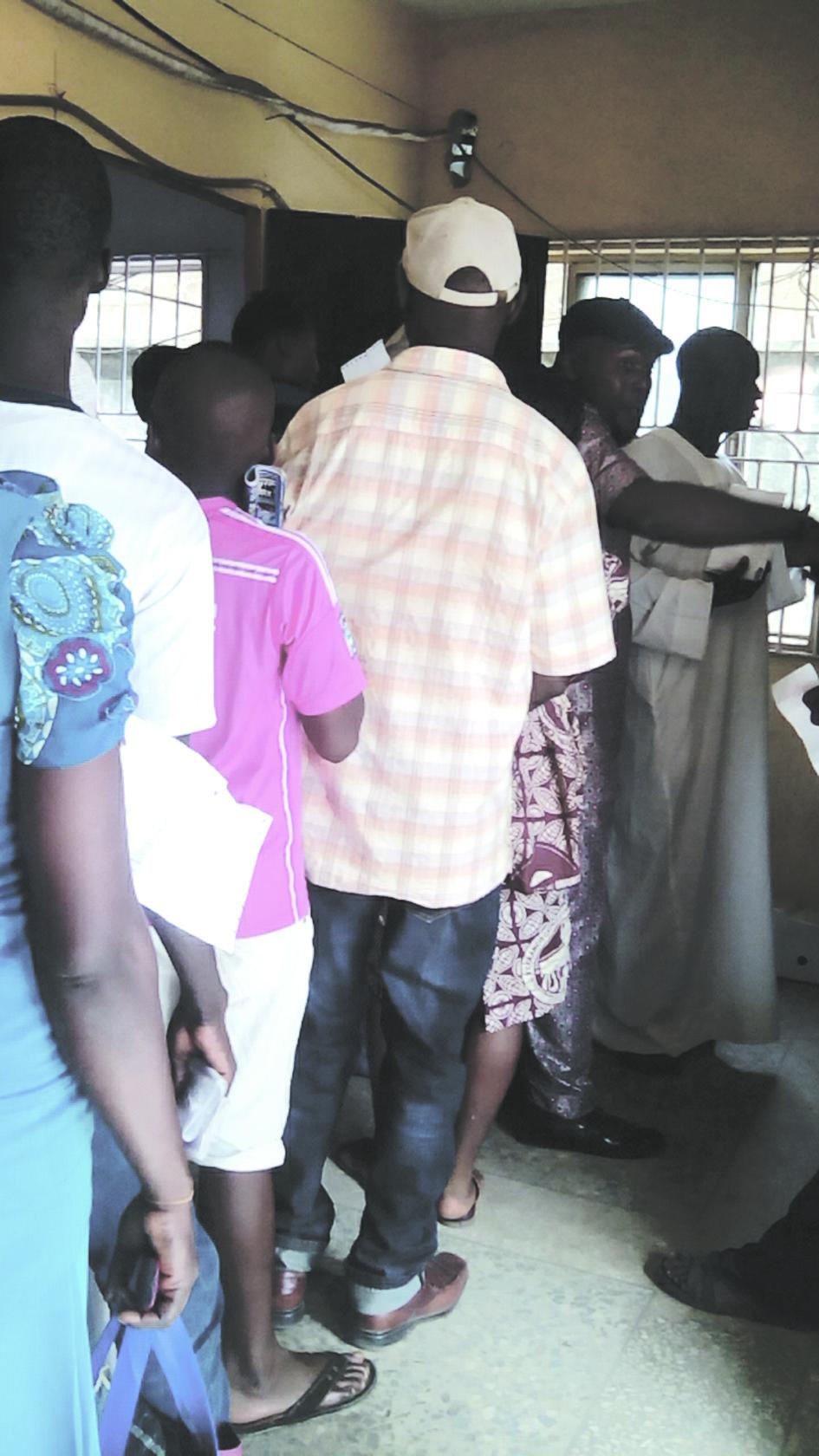 Disco customers on queue