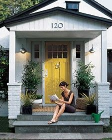 yellow door3