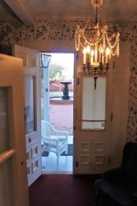 victorian-parlor-room
