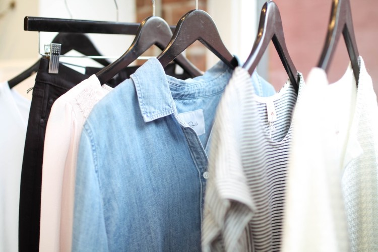 How to Build a Spring Wardrobe with Seven Pieces