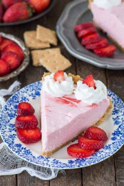 Superb A Homemadegraham Cracker Strawberry Mousse Pie Year Strawberry Mousse Cake Recipe Easy Strawberry Mousse Cake Porto S Real Strawberry Puree Fresh Strawberry Mousse Pie