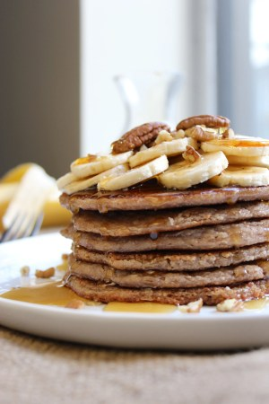 Banana Pecan Pancakes - The Fitchen