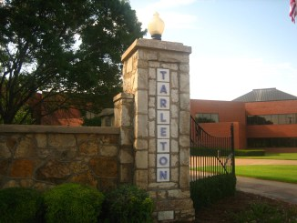 Entrance_to_Tarleton_State_University_Picture_2230
