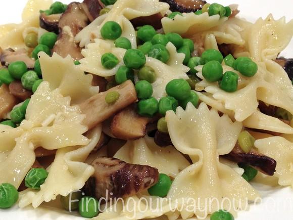 Pasta with Mushrooms and Peas recipe photo