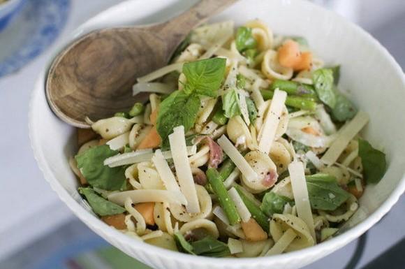 Prosciutto, Cantaloupe and Orecchiette Pasta Salad recipe photo