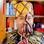 Man pulls poisonous snakes through nose
